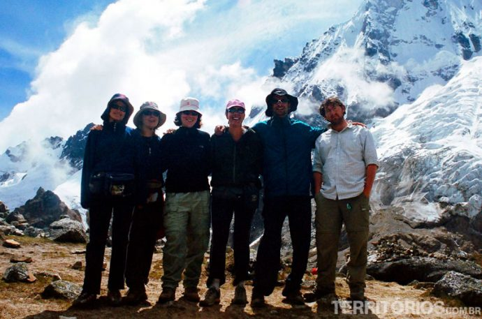 Grupo completo na trilha Inca Salkantay