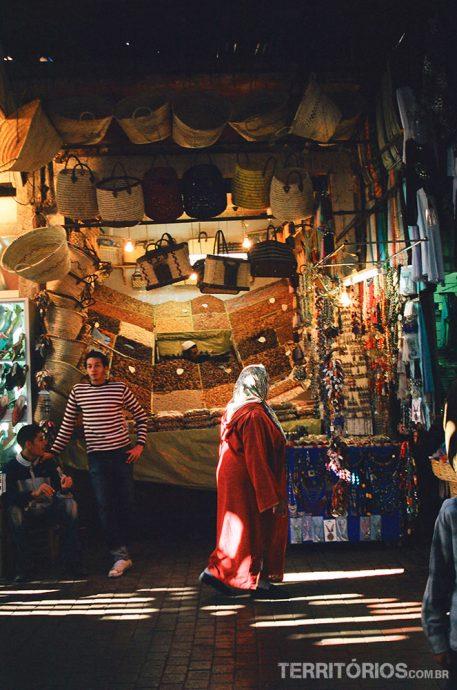 Pessoas no mercado