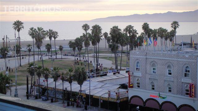 Vista de Venice beach de cima do topo do hotel