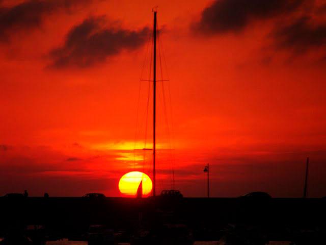Pôr-do-sol maravilhoso é comum na Córsega de norte a sul