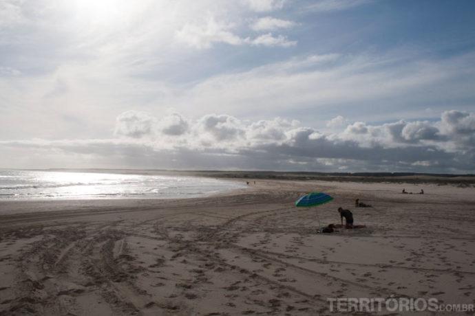 Praia quase deserta