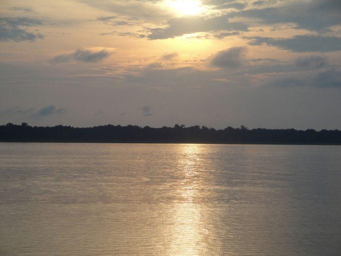 Por do sol típico amazônico