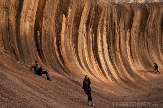 Tentando subir na Wave Rock