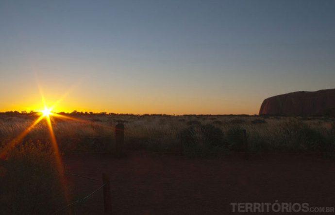 Nascer do sol em Uluru