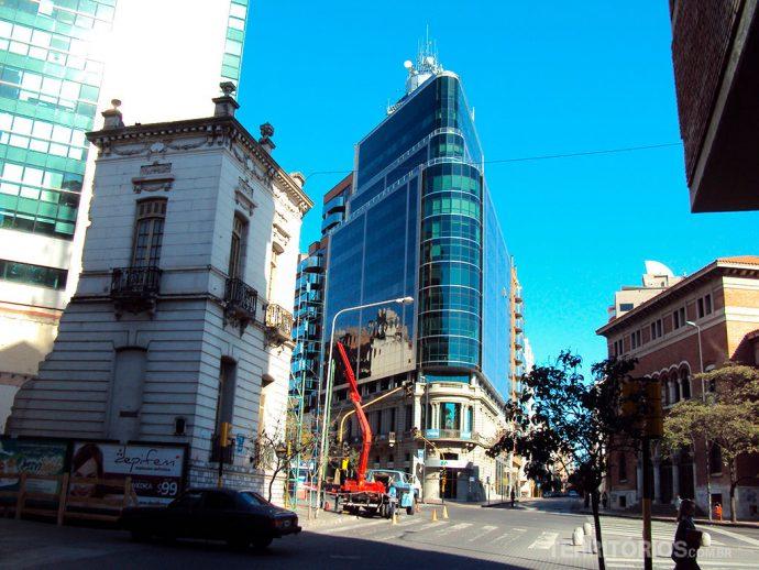 Av. Hipolito Yirigoyen na segunda capital argentina