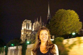 Passeio de barco noturno pelo Rio Sena
