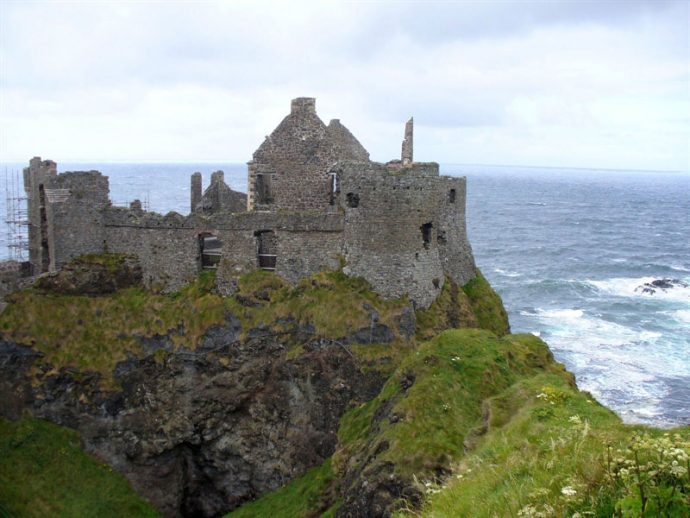 Dunluce Castle - (copyright Michaël Adam)