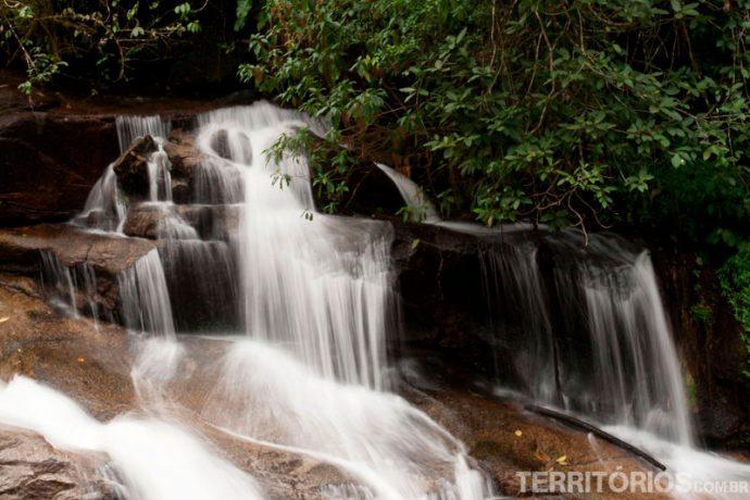 Cachoeira da Pedra Branca entre Cachaças e cachoeiras