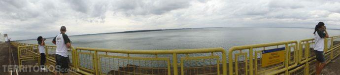 Vista no topo da barragem