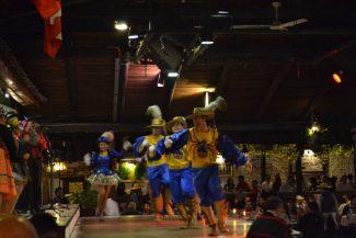 Show com dança típica