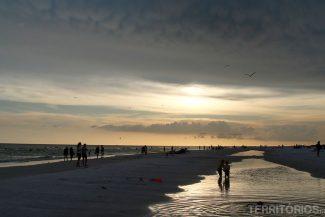 Pôr-do-sol na Siesta Beach