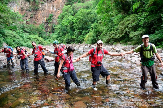 Aventureiros na Trilha do Rio do Boi