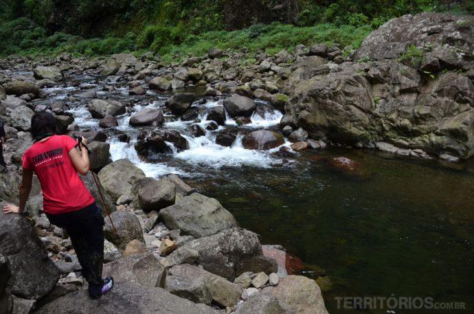 A região oferece trilhas de diferentes níveis de dificuldade - no interior do Itaimbezinho