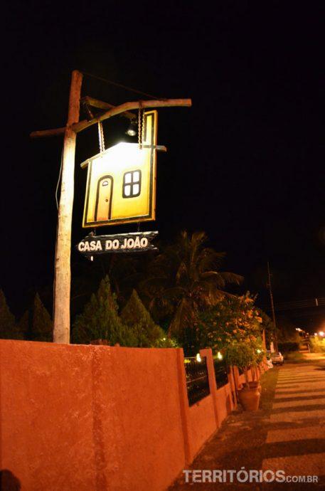A entrada da Casa do João