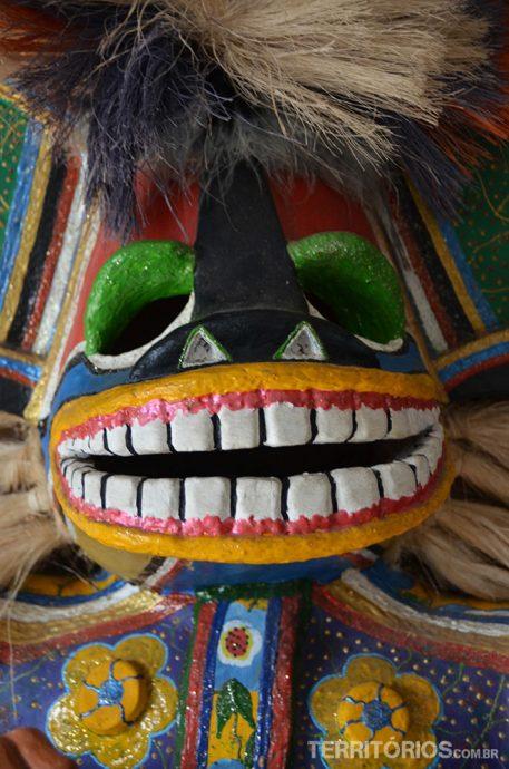 Cazumbá, personagem do Bumba Meu Boi, tem a função de afastar o mau