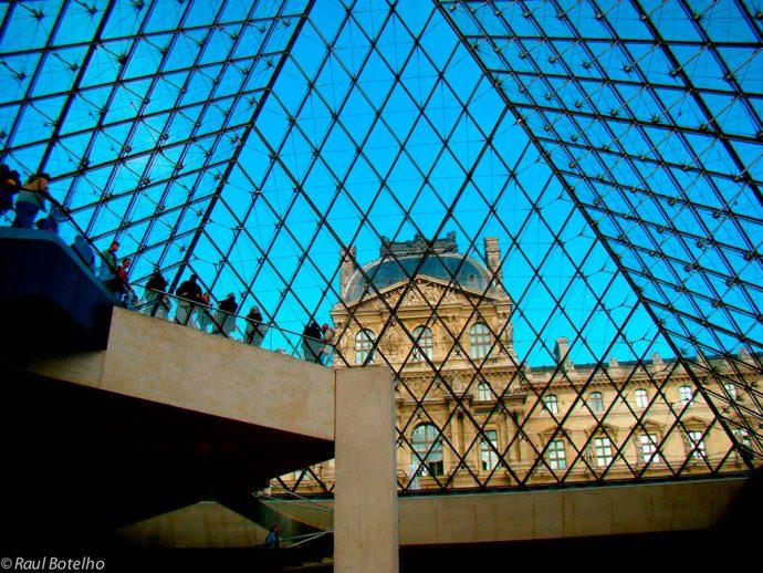 Por dentro da pirâmide