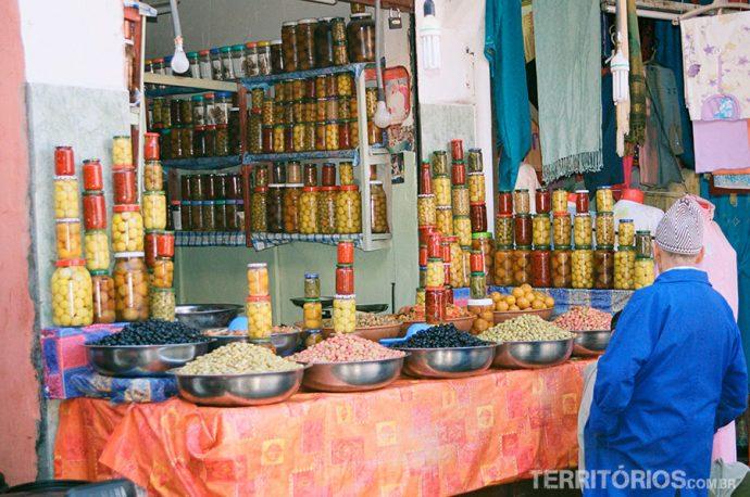 Banca de conservas no Souq no destino: marrakech