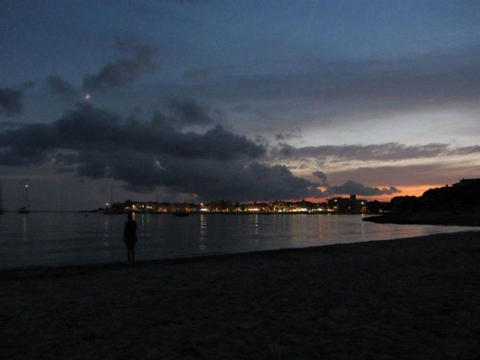 Fim de tarde na praia de Es Dolç