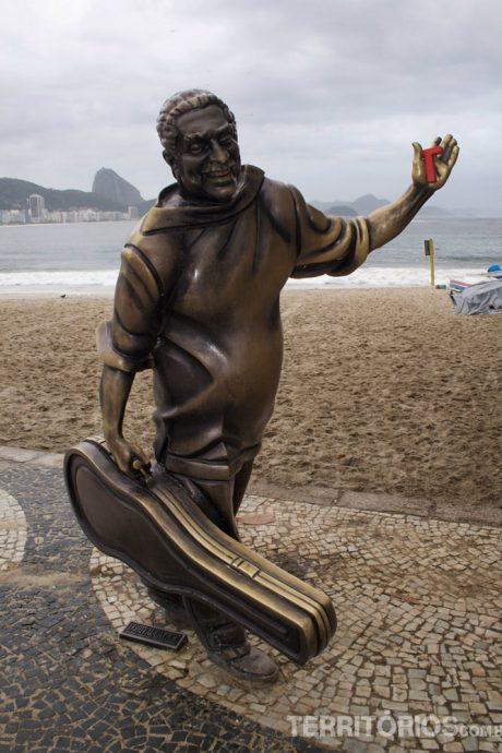 Até pelas mãos de Dorival Caimy o T passou, em Copacabana