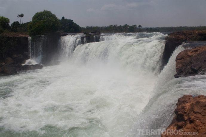 Vista da passarela para a Cachoeira da Velha