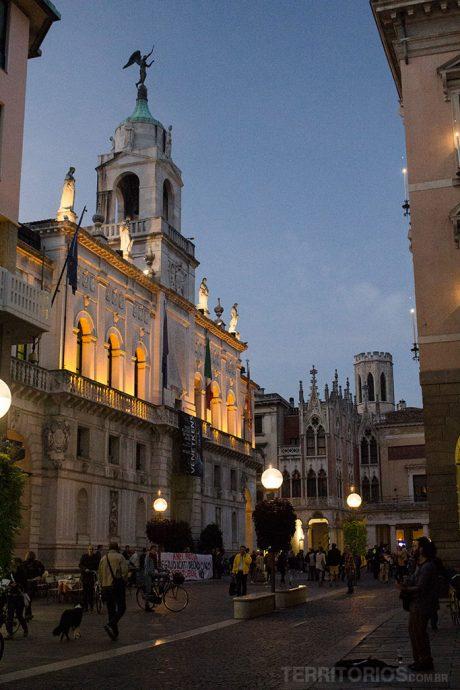 Palácio Podestá na Via Roma