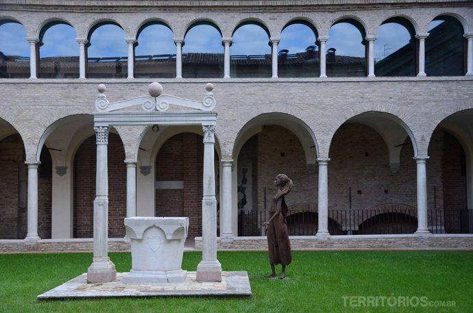 Pátio do Museu Dantesco