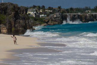 Ginger Bay e Crane Beach são as mais encantadoras, dividas por rochas conforme a maré