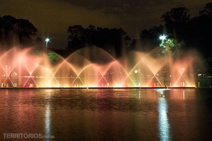Fonte Multimídia é uma atração em datas especiais como Natal. Parque Ibirapuera, São Paulo – Brasil