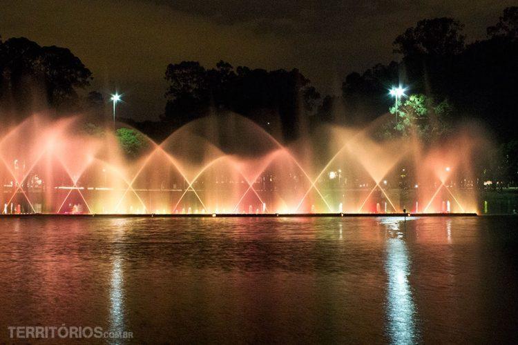 Fonte Multimídia é uma atração em datas especiais como Natal. Parque Ibirapuera, São Paulo - Brasil
