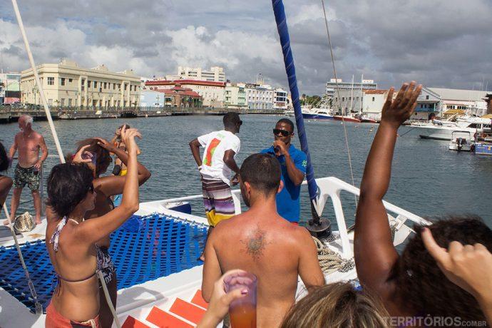 Atracando no porto de Bridgetown e nada da festa terminar