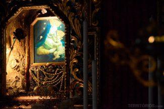 Altar dentro do santuário