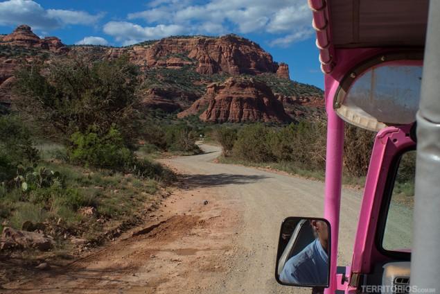 Estradas de terra e muita poeira