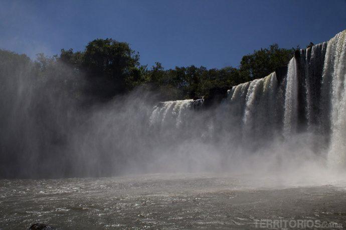 Cachoeira de São Romão no Parque Nacional da Chapada das Mesas