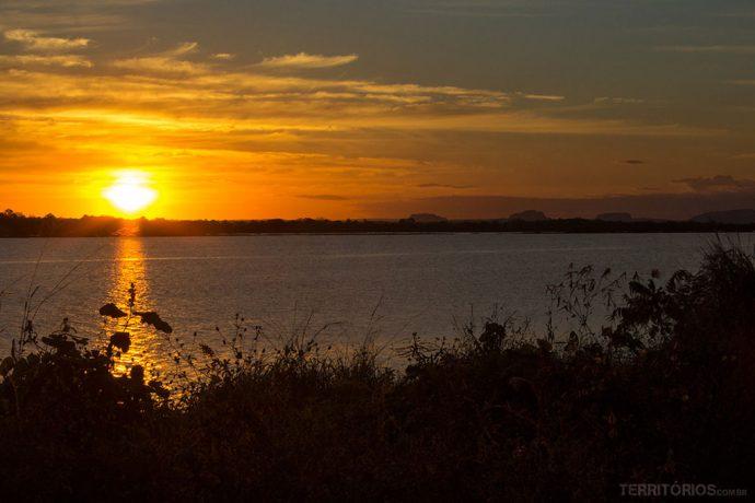 Pôr do sol no Rio Tocantins