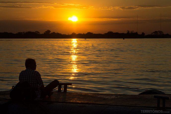 Famoso pôr do sol no Guaíba visto da Usina do Gasômetro