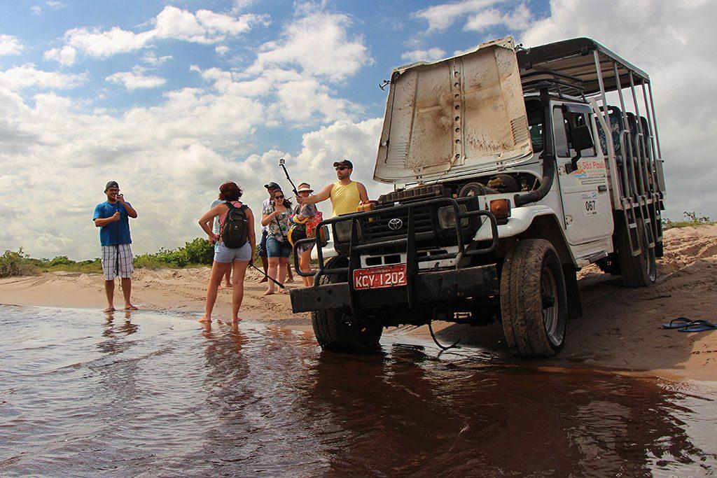 O toyoteiro na estrada para os Grandes Lençóis. Foto de Anderson Spinelli
