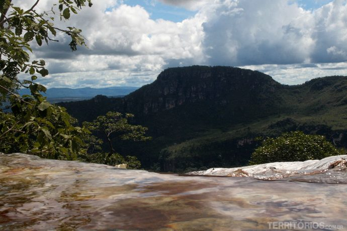 Vista da piscina natural da Cachoeira do Abismo