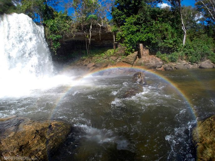 Arco-íris na Cachoeira do Itapecuru