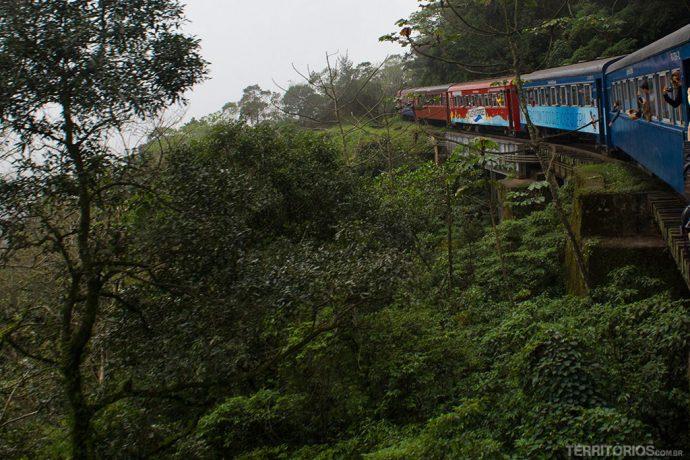Trem pela Serra do Mar Paranaense