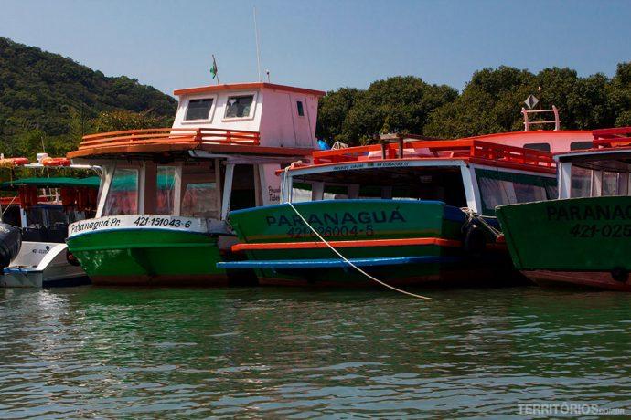 Embarcações que fazem a travessia