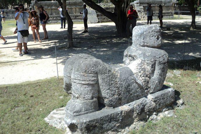 Estátua Chac Mool