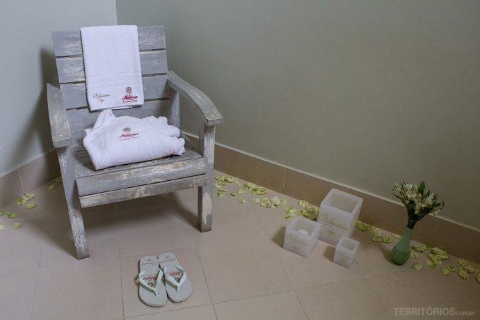 A sala onde deixei minha bolsa foi onde terminei o tratamento com o banho