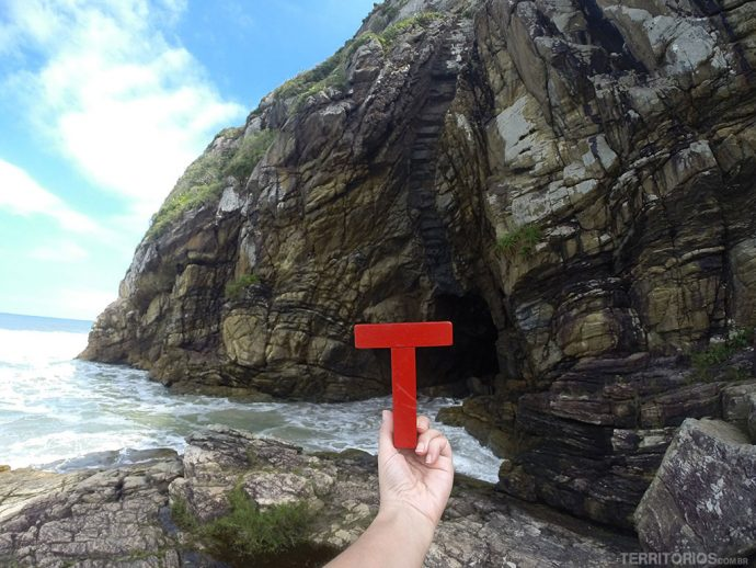 T na Gruta de Encantadas, Ilha do Mel