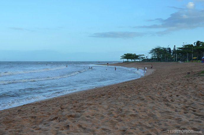 Praias vazias em Vitória não viajar nos feriados