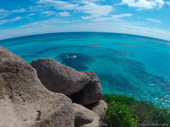 No ponto mais alto de Crab Cay e final da trilha