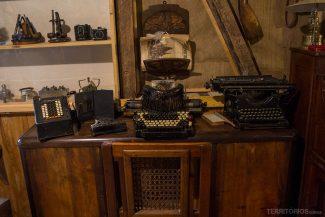 Mesa de jornalistas e escritores