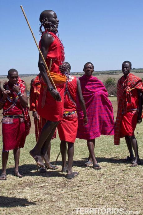 O jeito corporal dos Masais darem as boas vindas