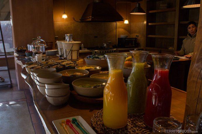 Buffet de café da manhã no Awasi Atacama