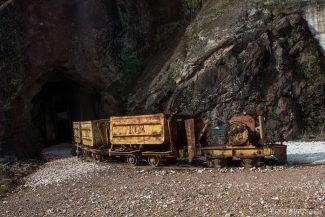 Maquinário desativado da mina de cobre
