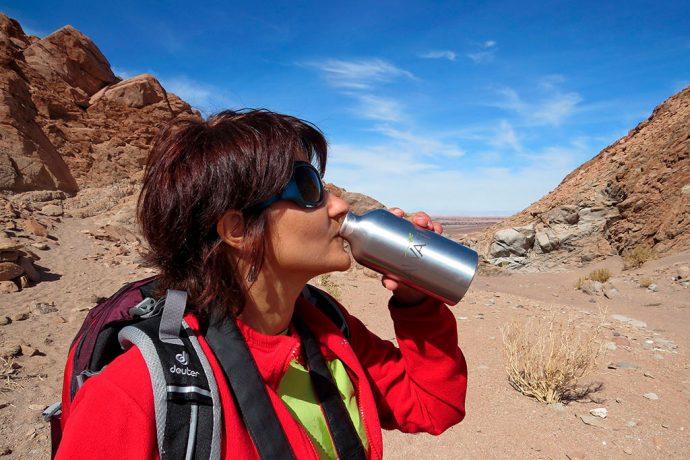 Garrafinha personalizada com meu nome para se manter sempre hidratada no deserto